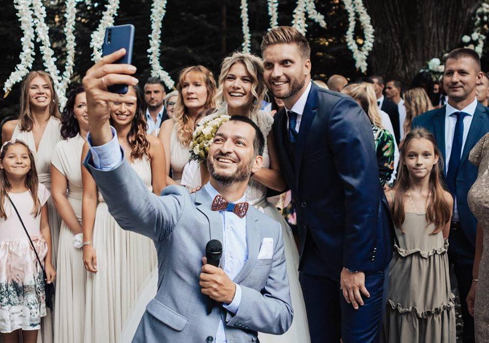 Weisz Fanni esküvője: Boldogság, szerelem, jelek.