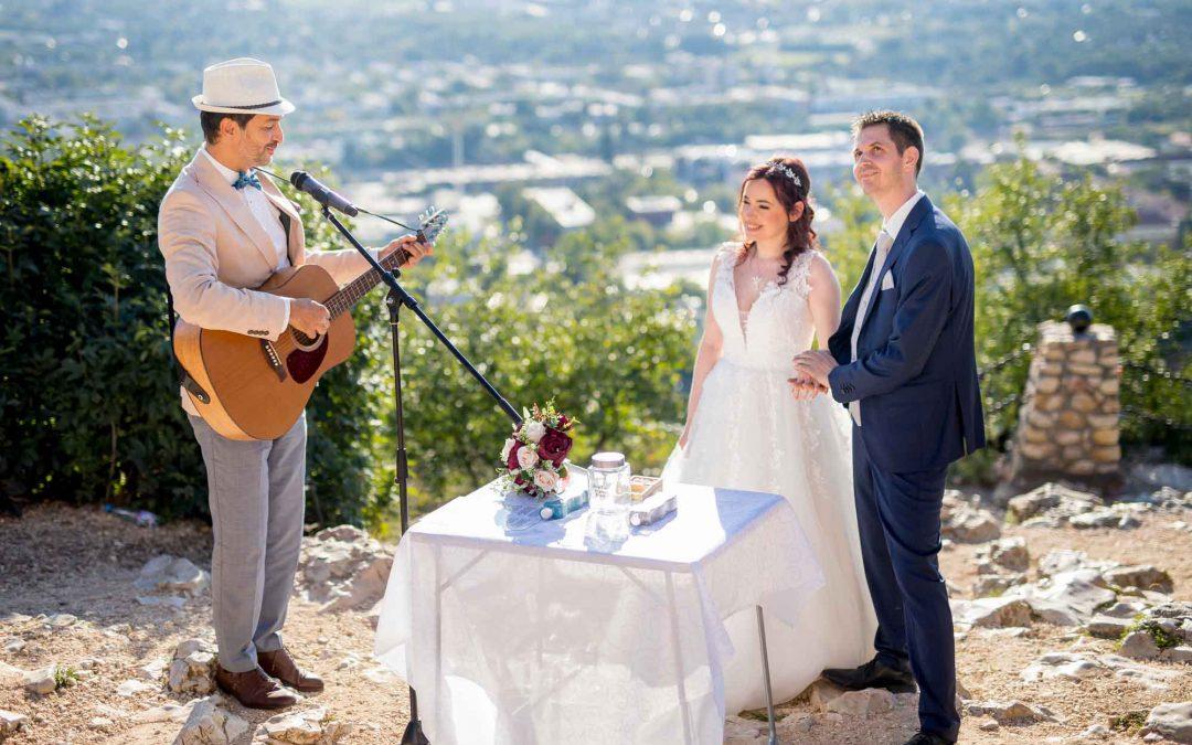 Esküvő a Turulnál – extrém helyszín
